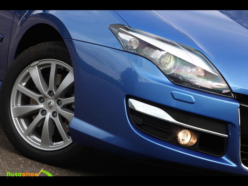 Новые фото 2011 Renault Laguna.